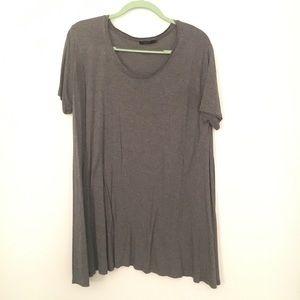 Aritzia Talula Bilbao T-Shirt, Size L